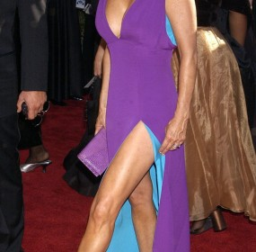 Red Carpet -Patricia Heaton in Thierry Mugler